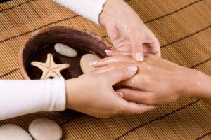 masáž zad, šíje a rukou